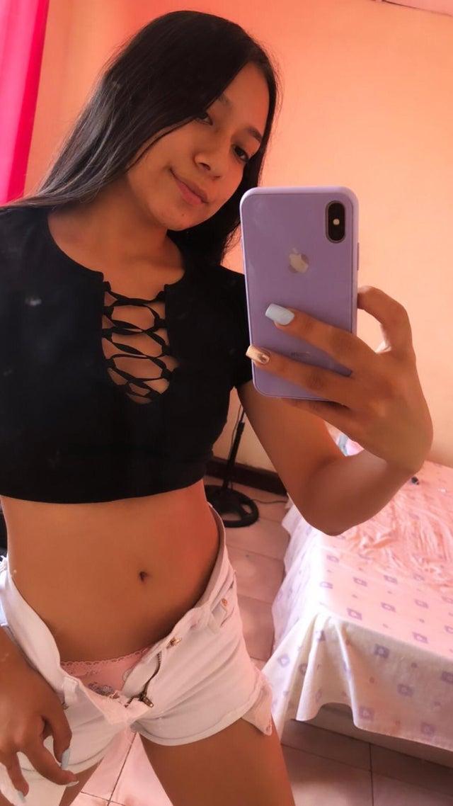 Süßes Girl macht sexy Selfie Pics