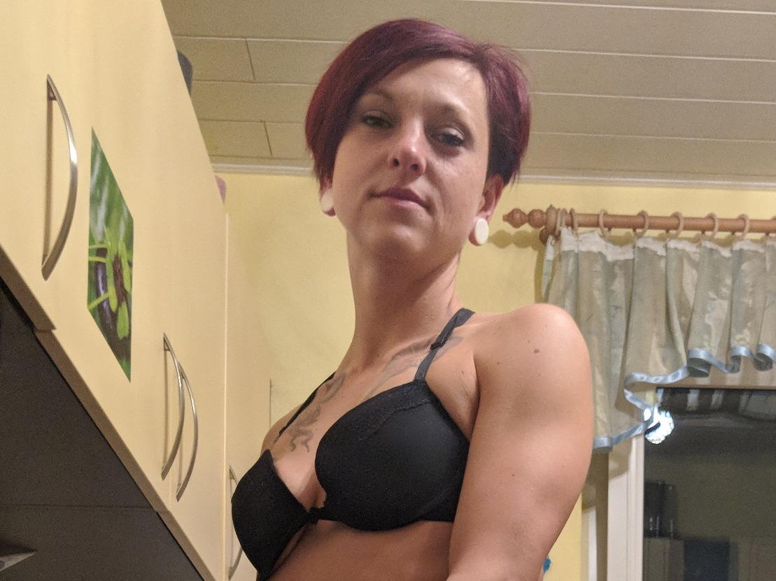 Meine sexy Titten im schwarzen BH