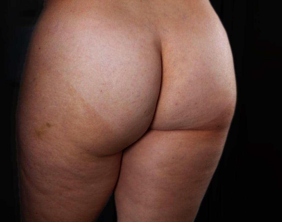 Schöner fetter nackter Arsch!!