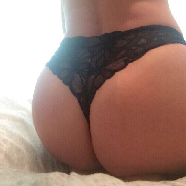 Larissa's hammergeiler Arsch - Sexy Popo Bilder
